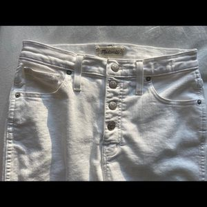 Madewell WhiteJeans frayed cut off bottoms Size 27
